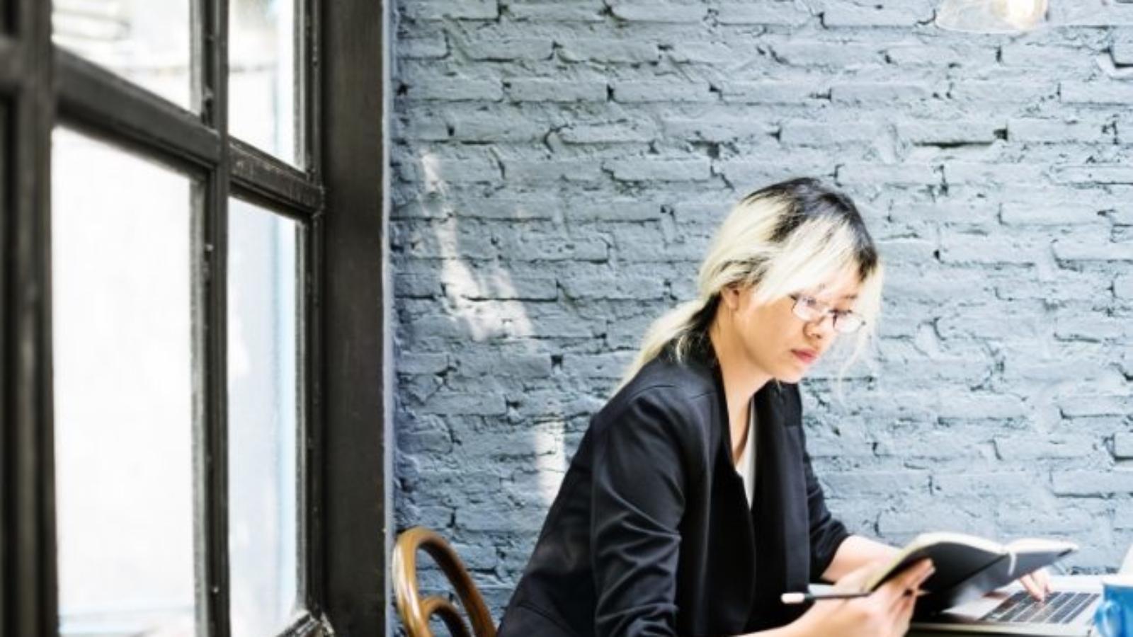 demo-attachment-546-asian-businesswoman-laptop-planning-strategy-PQFT2HE@2x